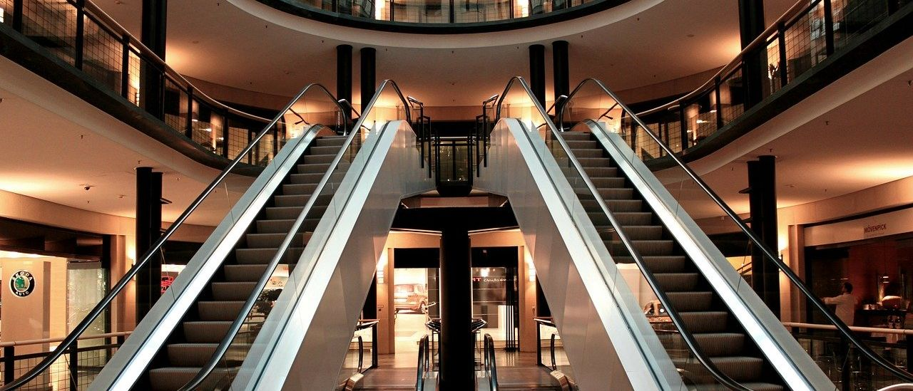 Escalator - Image by Anja from Pixabay