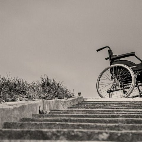 Abandoned wheelchair Image by Pech Frantisek from Pixabay