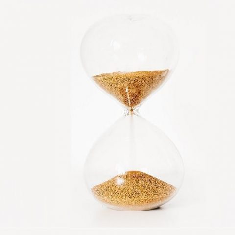Hour Glass - Photo by Gaelle Marcel on Unsplash